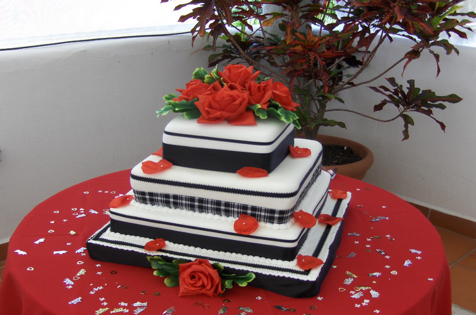bhvalentine_weddingcake