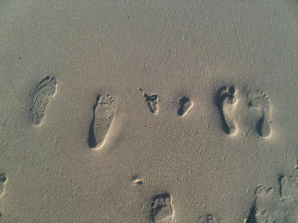 tradewindshotelantigua_footprintsinthesand