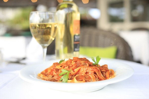 bayhouserestaurant_surfandturfpasta